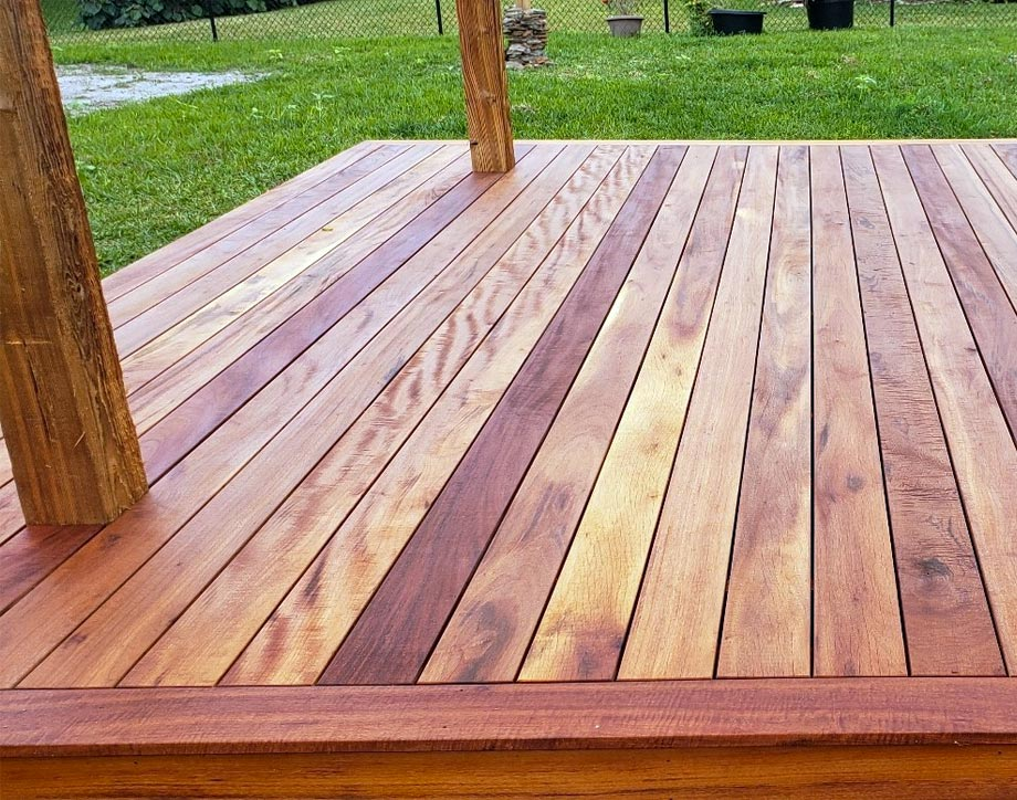 A sample of work done by Viking Deck and Fence